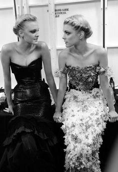 Love the hair + mismatched bridesmaid dresses. via Vintage Glamour - Different. Jessica Stam, Carolina Herrera, Marchesa, Elie Saab, Love Fashion, Fashion Models, Fashion Hair, Fashion 2018, High Fashion