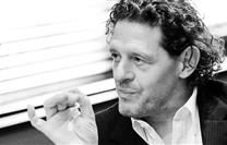 Marco Pierre White shares 10 inspirational tips for success in this video compilation: https://www.finedininglovers.com/blog/points-of-view/marco-pierre-white-tips/