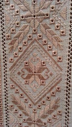 This Pin was discovered by Olg Hardanger Embroidery, Silk Ribbon Embroidery, Hand Embroidery Designs, Embroidery Art, Embroidery Stitches, Embroidery Patterns, Cross Stitches, Cross Stitch Borders, Cross Stitch Designs