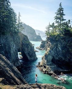 Brookings, Oregon - looks like beautiful place to hike! Brookings, Oregon - looks like beautiful place to hike! Oh The Places You'll Go, Places To Travel, Travel Destinations, Places To Visit, Oregon Travel, Travel Usa, Oregon Coast Roadtrip, Travel Tips, Travel Hacks