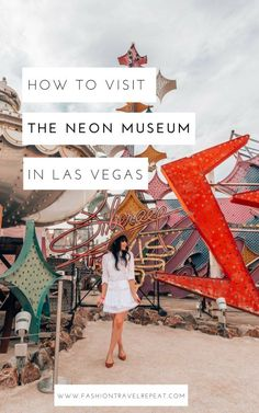 Visiting the Neon Museum in Las Vegas FashionTravelRepeat : A complete guide to visiting the Neon Museum in Las Vegas. The Neon Boneyard is not to be missed when you are exploring Las Vegas off the strip! Las Vegas Restaurants, Museums In Las Vegas, Las Vegas Attractions, Las Vegas Hotels, Las Vegas Sign, Las Vegas Vacation, Visit Las Vegas, Vacation Ideas, Zermatt