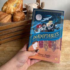 """BIBLIOPHILOVE on Instagram: """"Espero que estén pasando un excelente día. Cuéntenme ¿cuáles son sus lecturas actuales?. Hace poco terminé de leer """"Los inadoptables"""" que…"""" Disney, Instagram, Hipster Stuff, Libros, Disney Art"""