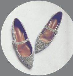 (53.72$)  Buy here - http://aiph9.worlditems.win/all/product.php?id=32794401043 - Newest bling bling silver glitter woman shoes pointed toe Mary Janes shoes sexy ankle strap flat shoes spring single shoes