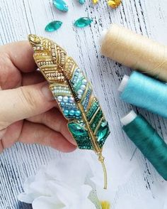 Best 11 Feather brooches by Evgenia Vasileva. Bead embroidered and fringed – Japanese seed beads, firepolished crystals, nmetal findings. – Page 501307002269943634 – SkillOfKing – SkillOfKing. Bead Embroidery Jewelry, Beaded Jewelry Patterns, Beaded Embroidery, Hand Embroidery, Embroidery Designs, Beaded Brooch, Beaded Earrings, Do It Yourself Schmuck, Brooches Handmade