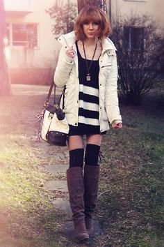 Dark-brown-din-sko-boots-white-jacket-white-bag-charcoal-gray-necklace_400
