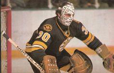 Gerry Cheevers Boston Bruins Goalies, Bruins Hockey, Hockey Goalie, Nhl, Hockey Pictures, Goalie Mask, Old School, Baseball Cards, Masks