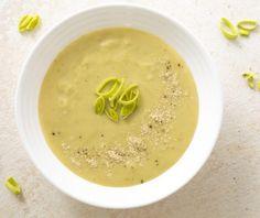 Σούπα βελουτέ µε πράσο και πατάτες Food Categories, Hummus, Cantaloupe, Food And Drink, Fruit, Ethnic Recipes
