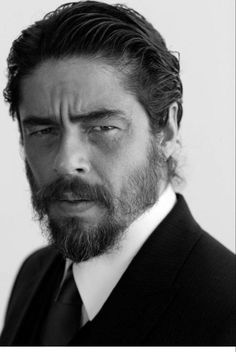 Benicio Del Toro a Puerto Rican actor. Hollywood, Frank Herbert, Celebrity Portraits, Iconic Movies, Black And White Portraits, Male Face, Grace Kelly, Pulp Fiction, Best Actor