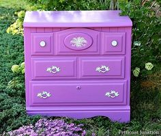 Pantones-Radiant-Orchid-color-Furniture-makeover-petticoat-junktion_thumb