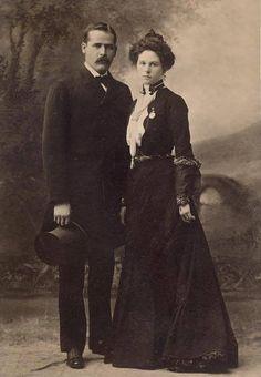 "Harry Alonzo ""Sundance Kid"" Longabaugh and his wife Etta Place (January 1901)"