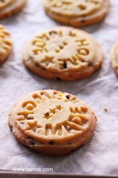 Buttery bites of flaky shortbread, with just a hint of chocolate in a little nutty touch here and there. Easy and so more-ish. Perfect for gifting.