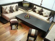 Modern Lounge by Adam decoración    www.adamdecoracion.com