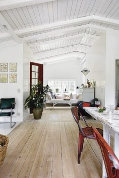 Swedish home. I love the wood floors, white ceiling and walls, lots of windows, and rustic furniture. Style At Home, White Washed Floors, White Walls, White Wood, White Beams, White White, White Light, Black Wood, Large White