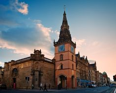 Tron Steeple, Trongate,  Glasgow. Former Church of St Mary & St Anne. Tower, 1590s, Steeple circa 1637, Arches at ground level 1855.