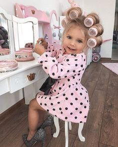 Baby photoshoot girl toddlers new Ideas So Cute Baby, Cute Babies, Fashion Kids, Baby Girl Fashion, Beautiful Children, Beautiful Babies, Toddler Girl, Baby Kids, Foto Baby