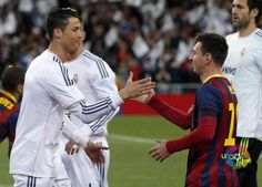 Picture: Messi greeting Real Madrid's Ronaldo before the game pic.twitter.com/QKBjLTkuUb [via @Laura Jayson Saenz Garrett] #fcblive #elclasico