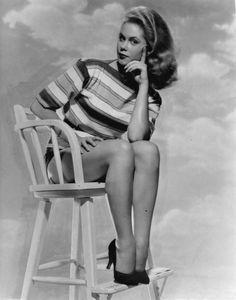 Elizabeth Montgomery. Bewitched