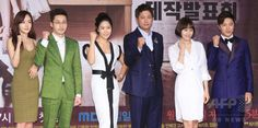 韓国・ソウルの韓国文化放送(MBC)で行われた、新ドラマ「偉大な糟糠の妻 위대한 조강지처 The Great Wives」の制作発表会に臨む、(左から)女優のファンウ・スルヘ、俳優のファン・ドンジュ、女優のキム・ジヨン、俳優のイ・ジョンウォン、女優のカン・ソンヨン、俳優のアン・ジェモ(2015年6月11日撮影)。(c)STARNEWS ▼16Jun2015AFP MBC新ドラマ「偉大な糟糠の妻」の制作発表会、ソウルで開催 http://www.afpbb.com/articles/-/3051864 #황우슬혜 #黃雨瑟惠 #Hwang_Woo_seul_hye #김지영 #金志映 #Kim_Ji_young #강성연 #姜成妍 #Kang_Sung_yeon #황동주 #黃東柱 #Hwang_Dong_ju #이종원 #李鍾原 #Lee_Jong_won #안재모 #安在模 #Ahn_Jae_mo