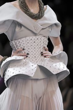 christian dior haute couture - oh my Dior Haute Couture, Couture Christian Dior, Couture Fashion, Fashion Art, Runway Fashion, High Fashion, I Love Fashion, Fashion Show, Womens Fashion