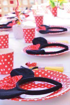 Minnie Mouse themed birthday party via Kara's Party Ideas | KarasPartyIdeas.com #minniemouse #minniemouseparty #partyideas #partystyling #ev...