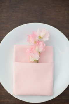 sweet simplicity http://www.weddingchicks.com/gallery/coast-to-coast-wedding/