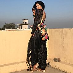 Indian Dresses For Girls, All Black Dresses, Eid Outfits, Pakistani Outfits, Fashion Outfits, Fashion Pics, Patiala Salwar Suits, Punjabi Suits, Patiyala Suit