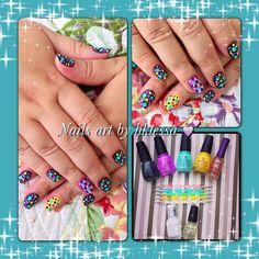 Nails art dots