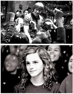 Hermione Granger and Ron Weasley. Emma Watson and Rupert Grint. Can we appreciate how perfect her hair is right now? Harry Potter Universe, Harry Potter 3, Fantasia Harry Potter, Ron Weasley, Draco Y Hermione, Weasley Twins, Draco Malfoy, Hogwarts, Slytherin