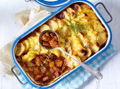 Unser beliebtes Rezept für Kürbis-Schmorgulasch mit Kartoffelhaube und mehr als 55.000 weitere kostenlose Rezepte auf LECKER.de.