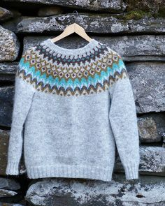 Riddari Fair Isle Knitting, Knitting Yarn, Baby Knitting, Kids Knitting Patterns, Knitting Designs, Crochet Woman, Knit Crochet, Icelandic Sweaters, Student Fashion
