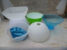 Look for anything that can be used for a hypertufa mold; bet you wont be able to stop at just one! Plastic bowls, lamp shades and buckets are only a few of the items Ive used to make hypertufa pots. Diy Concrete Planters, Cement Garden, Cement Art, Concrete Molds, Concrete Stone, Concrete Crafts, Concrete Art, Concrete Projects, Garden Art