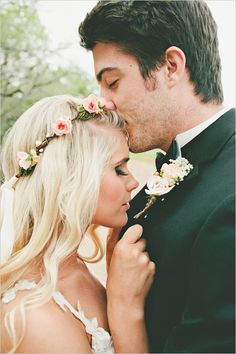boho bridal looks with simple rose floral crown #floralcrown #weddingphotography #bohobride http://www.weddingchicks.com/2013/11/05/elegant-pink-and-gold-wedding/
