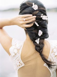 Gorgeous loose braided hairstyle: Photography: Katie Grant - http://www.katiegrantphoto.com/