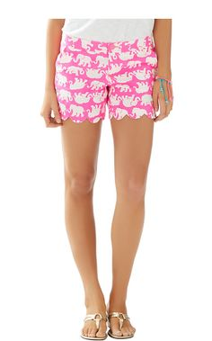 Fix LOVE, LOVE the novelty print and scallop hem - Buttercup Scallop Hem Short - Lilly Pulitzer Pop Pink Tusk In Sun Medium Lily Pulitzer Shorts, Lilly Pulitzer, Cute Summer Outfits, Cute Outfits, Summer Shorts, Casual Outfits, Preppy Style, My Style, Scalloped Hem