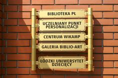 Tablica na budynku BPŁ