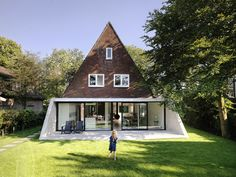 Awesome renovation of a traditional Dutch house. Fantastic blend of modern style with tradition.