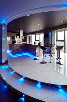 Modern Luxury Kitchen What Does A Luxury Kitchen Mean? Luxury Kitchens mean Great Ranges: Modern Luxury Kitchen. Modern Home Bar, Modern Kitchen Design, Modern House Design, Interior Design Kitchen, Modern Luxury, Interior Shop, Kitchen Contemporary, Luxury Interior, Modern Interior