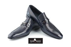 NARMAN - costume de mire, costume de ocazie, costume barbati, smoking-uri, frac-uri, pantofi de mire, pantofi barbati, accesorii nunta - exclusiv pentru barbati. Wing Collar, Wedding Suits, Loafers Men, Oxford Shoes, Dress Shoes, Costumes, How To Wear, Stuff To Buy, Formal