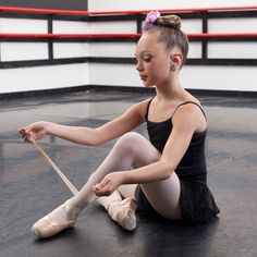 """Time to Dance: Maddie Ziegler in Sia's 'Chandelier,'"" a Mediander post featuring ""Dance Moms,"" Michael Jackson, MTV and more."
