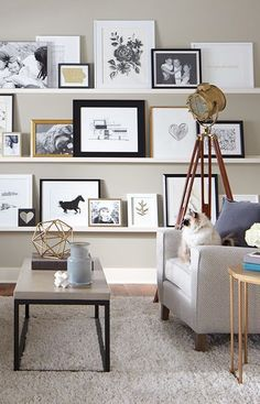 Picture Shelves These narrow shelves allow you to instantly change or rearrange photos and art. Build them in a day with basic tools. Inspiration Wand, Design Inspiration, Picture Shelves, Photo Shelf, Shelves With Pictures, Photo Ledge Display, Picture Walls, Pictures For Walls, Picture Frames