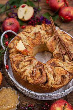 österreischische süßspeisen, österreichische rezepte, österreichische rezepte süß, österreichische spezialitäten, österreichische küche, austrian recipes, austrian recipes sweet, austrian food, austrian dessert, nachspeisen rezepte, rezepte mit apfel süß, rezepte mit apfel schnell, apple recipes, apple recipes easy, apple recipes austria, germteig rezepte, germteig rezepte süß, germteig schnecken, zimtschnecken rezept, zimtschnecken rezept hefeteig, cinnamon roll recipes, cinnamon roll… Bakers Gonna Bake, Bagel, Sausage, Bread, Snacks, Baking, Muffins, Food, Sweet Desserts
