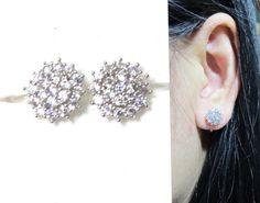 Micropavé Crystal Clip-on earrings cluster rhinestone wedding clip on Bridal stud clip on earrings non pierced earrings wedding clip on Pierced Earrings, Clip On Earrings, Stud Earrings, Wedding Clip, Rhinestone Wedding, Diy Jewelry, Unique Jewelry, Fancy, Bridal