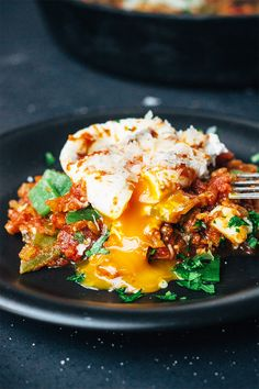 Roasted Anaheim Pepper Tomato Poached Eggs - Artful Desperado (use gluten free bread or no bread at all) Egg Recipes, Brunch Recipes, Cooking Recipes, Pancake Recipes, Crepe Recipes, Waffle Recipes, Stuffed Anaheim Peppers, Stuffed Peppers, Breakfast Dishes