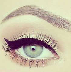 Natural eyeshadow and classic cat eye