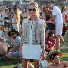 Looks de bloggers de moda y celebrities y street style con ideas para asistir a festivales de música como Coachella. Tendencias de moda Primavera-...