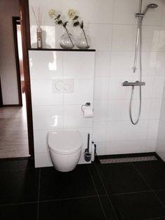 https://i.pinimg.com/236x/90/43/04/904304a14c3765dc1730a07f4d144897--toilets.jpg