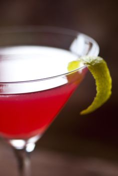 Cranberry and Bergamot Vodka Cocktail Recipe - Great British Chefs Vodka Cranberry Cocktail, Vodka Cocktails, Martinis, Summer Cocktails, Yes Way Rose, Frozen Rose, Great British Chefs, Bloody Mary, Bergamot