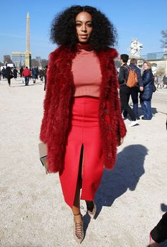 Solange Knowles's got glam at the Carven Fall 2015 Show Carven-Pre-Fall 2015 Pencil skirt.