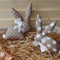 Hledání zboží: jarní / Domov   Fler.cz Sewing, How To Make, Fabrics, Crafts, Easter Bunny, Carp, Rabbits, Pdf Sewing Patterns, Tulips