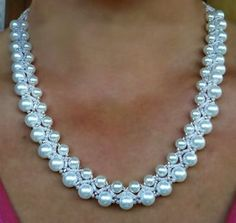 Free pattern for white beaded necklace Calla U need: seed beads 11/0 bugles pearls 6 mm pearls 8-10 mm #beadedjewelry